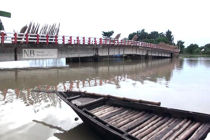 রাজবাড়ী-ফরিদপুরে বিপৎসীমার ওপরে পদ্মা