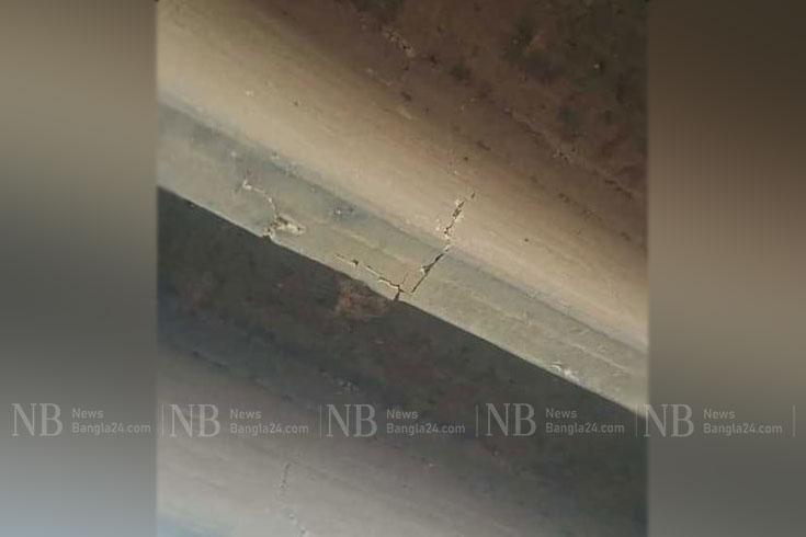 ঢাকা-আরিচা মহাসড়কে সেতুতে ফাটলে দীর্ঘ যানজট