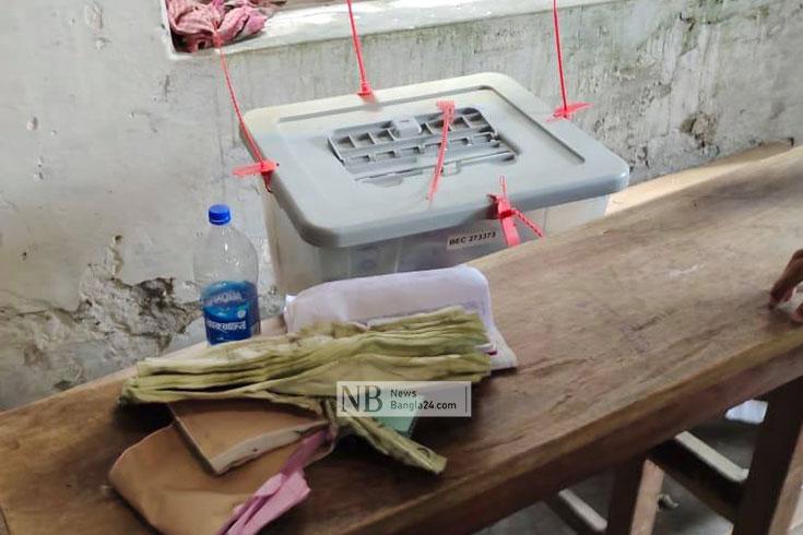 মুলাদীতে নির্বাচন বর্জন, দেহেরগতিতে ব্যালট ছিনতাইচেষ্টা