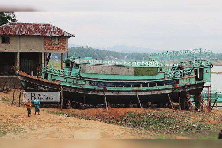 কাপ্তাইয়ের পানি কমায় দুর্ভোগে ছয় উপজেলাবাসী