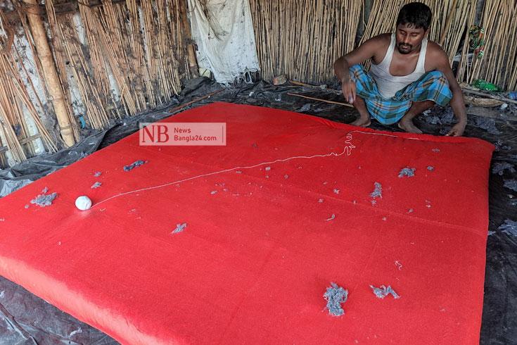 লেপ-তোশকের দোকানে 'শীতের গরম'