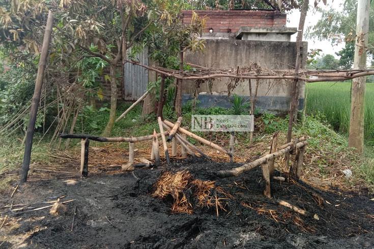 লুটপাট, আগুনে নিঃস্ব পীরগঞ্জের হিন্দুপাড়া