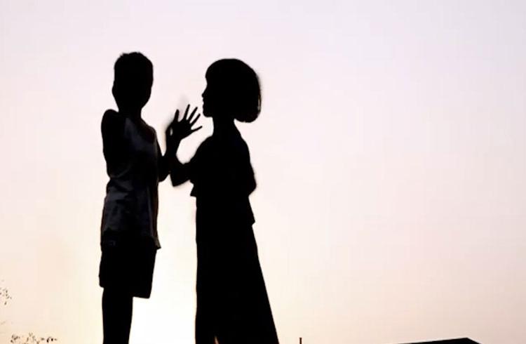 কন্যাশিশু দিবসে অনুপম-মিথিলাদের 'ছোট ছোট পায়ে পথচলা'