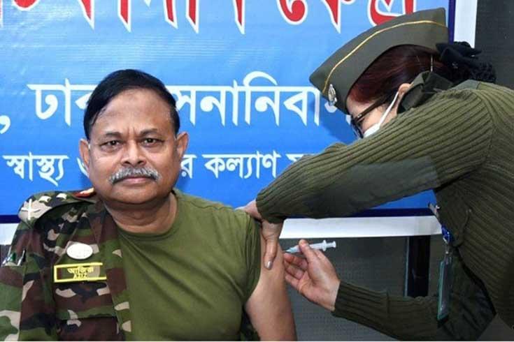 গুজবে কান না দিয়ে টিকা নিন: সেনাপ্রধান