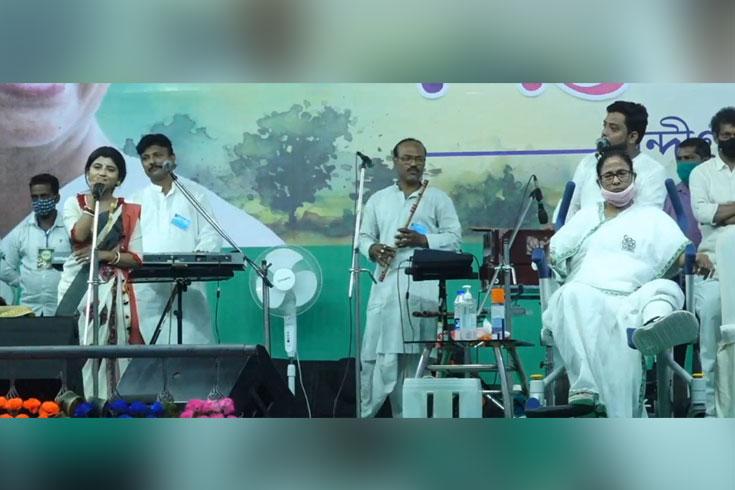 পশ্চিমবঙ্গে ভোট: দোলের দিনেও প্রচারে ব্যস্ত নেতারা