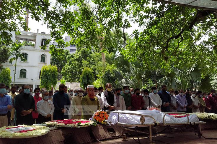 বাংলা একাডেমিতে হাবীবুল্লাহ সিরাজীর জানাজা