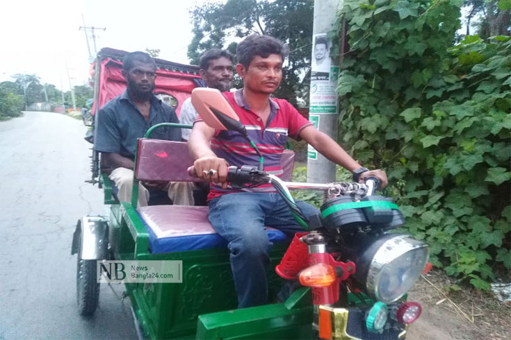 দাপুটে ছাত্রলীগ নেতা ফারুক এখন রিকশাচালক