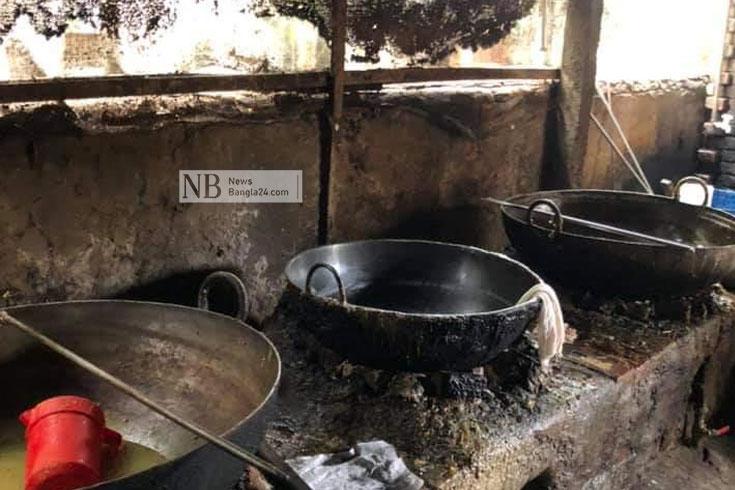 অস্বাস্থ্যকর পরিবেশে মিষ্টি তৈরি করায় জরিমানা