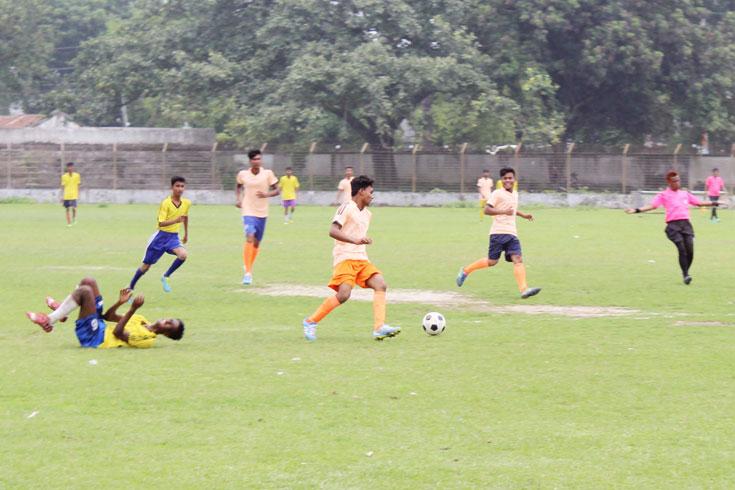 দিনাজপুরে শুরু বঙ্গবন্ধু ও বঙ্গমাতা গোল্ডকাপ ফুটবল