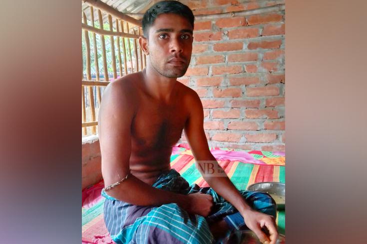'ভুল চিকিৎসায়' পা হারিয়ে থানায় অভিযোগ