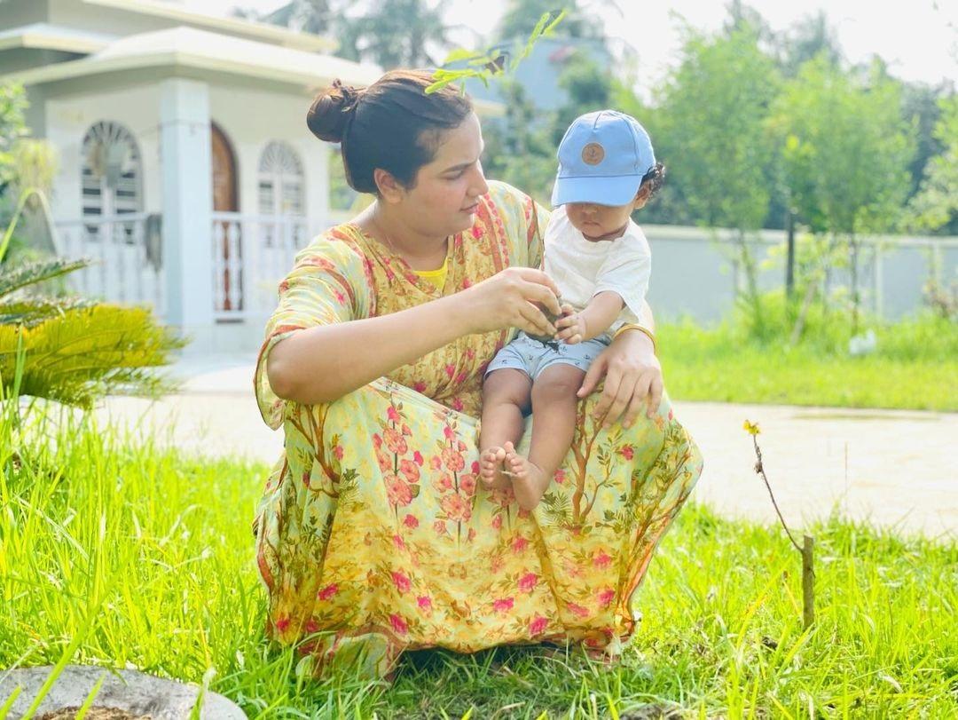 পরিবেশ দিবসে ছেলেকে সঙ্গে নিয়ে কী বার্তা দিলেন শুভশ্রী