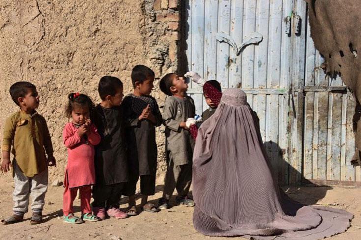 আফগানিস্তানে বন্দুকধারীদের গুলিতে ৪ পোলিও টিকাকর্মী নিহত