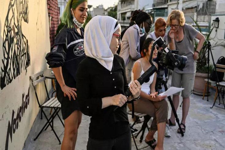 জেন্ডার সমতার চলচ্চিত্র নির্মাণ করছেন শরণার্থী নারীরা