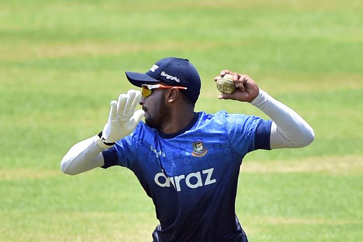 জিম্বাবুয়ে সিরিজে টেস্ট দলে ফিরলেন সাকিব