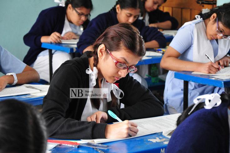 'শিক্ষাপ্রতিষ্ঠান খোলার দাবি অবান্তর'