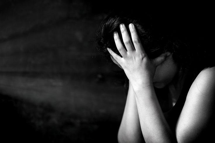 'ধর্ষণের শিকার স্কুলছাত্রীকে' মারধর, থানায় অভিযোগ