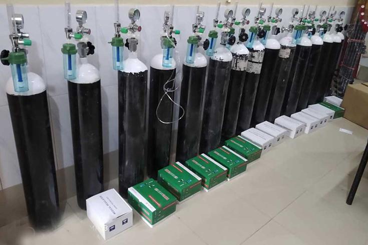 ধামইরহাট স্বাস্থ্য কমপ্লেক্সে আরও ১৫ অক্সিজেন সিলিন্ডার