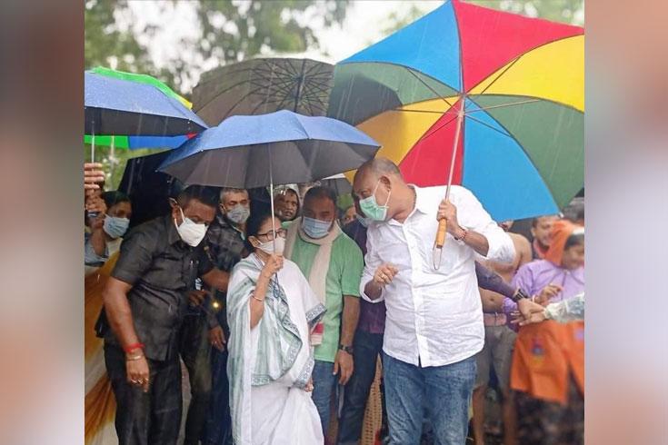 পশ্চিমবঙ্গে বন্যা: মোদি সরকারকে দায়ী করলেন মমতা