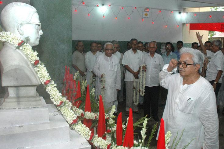 কাকাবাবুর জন্মদিনে আত্মজিজ্ঞাসার পরামর্শ বিমান বসুর