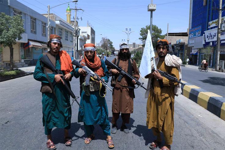তালেবানের হাত থেকে আফগানদের রক্ষায় ফেসবুক, টুইটারের নীতি বদল