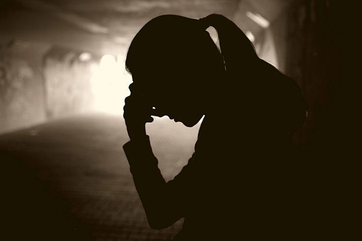 কারারক্ষীর বিরুদ্ধে ধর্ষণ ও অপহরণের অভিযোগ