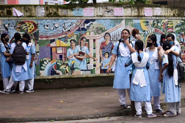 ২০ দিনের মধ্যে টিকা পাবে স্কুলশিক্ষার্থীরা