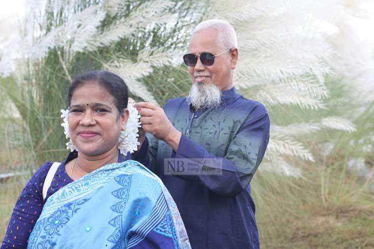 শরতের কাশফুলে ছেয়েছে আরেক 'দিয়াবাড়ি'