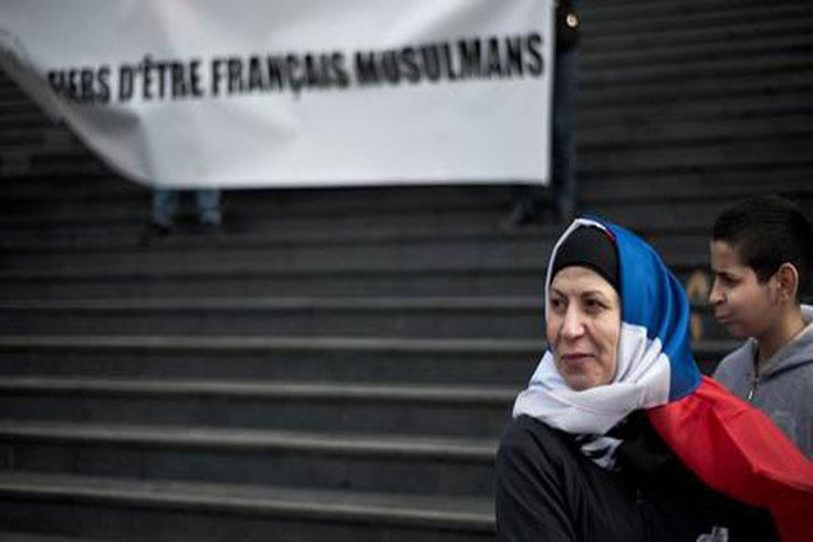 ফ্রান্সে নির্বাচনের আগে মুসলিমবিরোধী পদক্ষেপ