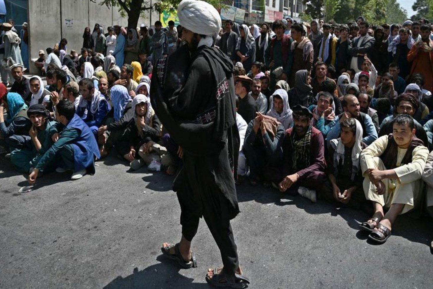 ভেঙে পড়েছে আফগানিস্তানের ব্যাংকিংব্যবস্থা
