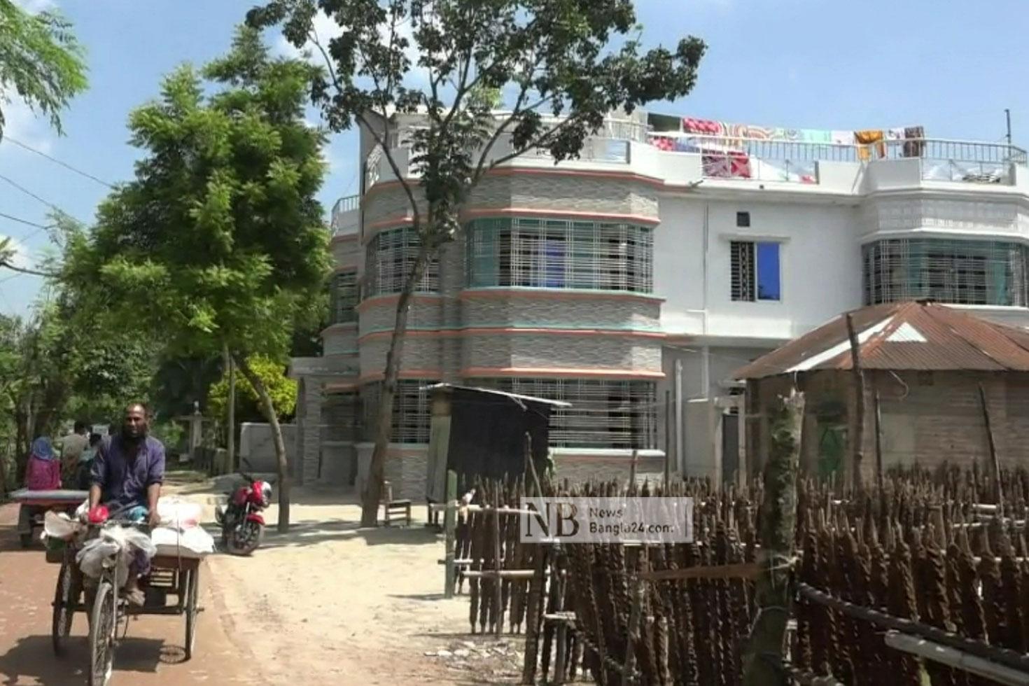 ইমোতে প্রতারক চক্রের 'সদর দপ্তর' নাটোরের বিলমাড়িয়া