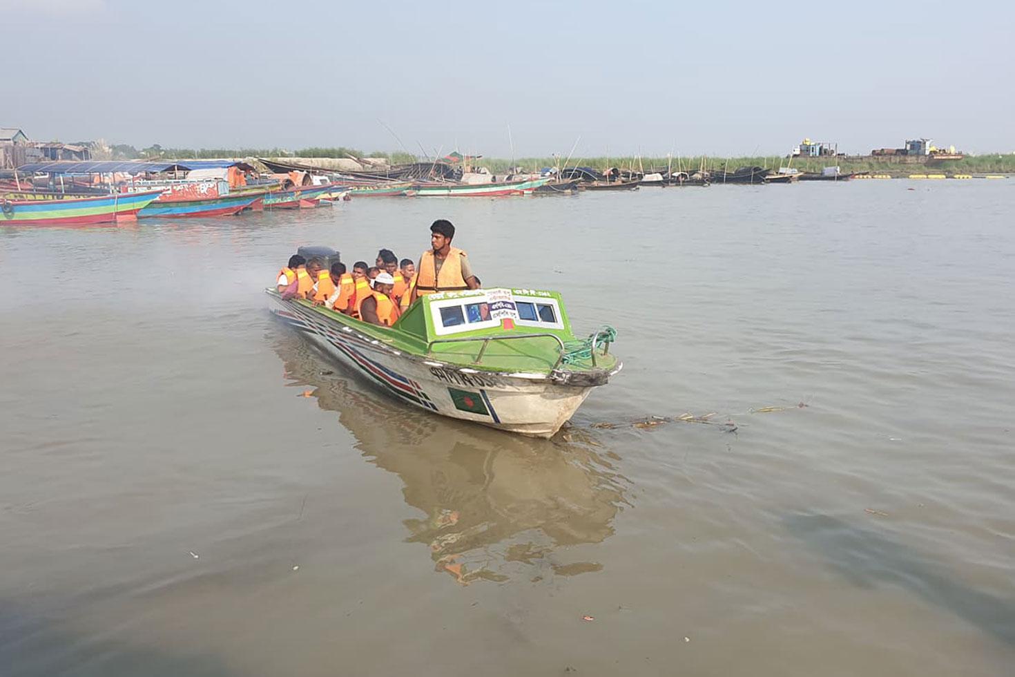 শিমুলিয়া-বাংলাবাজার রুটে সচল স্পিডবোট