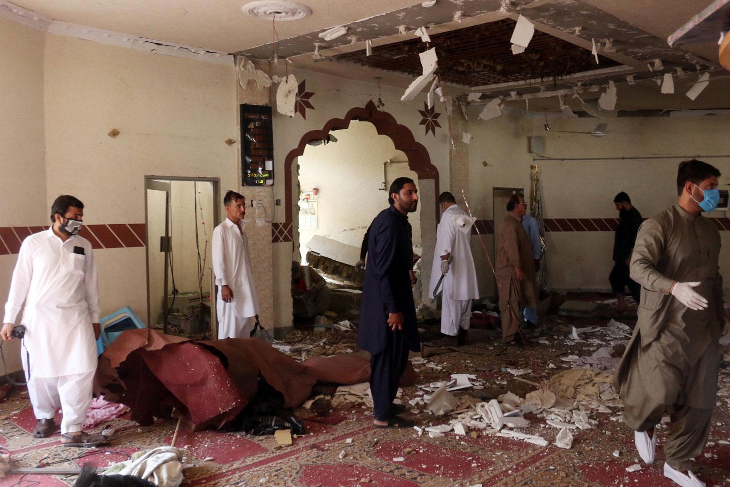 আফগানিস্তানে ফের মসজিদে বোমা, ব্যাপক প্রাণহানির শঙ্কা