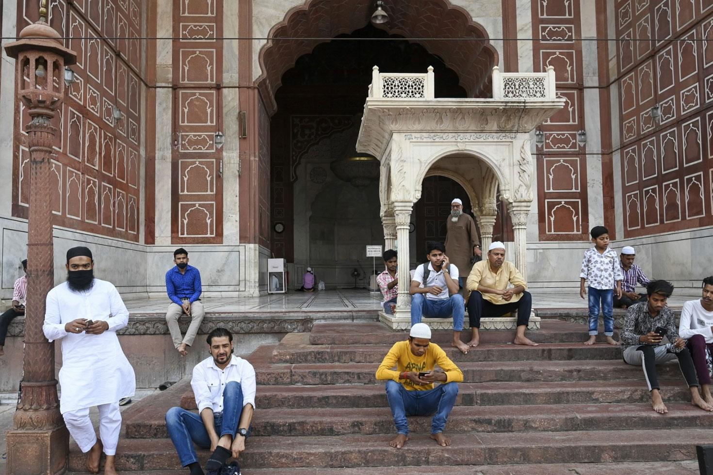 'ভারতে মুসলিমবিদ্বেষ ছড়াতে সাহায্য করেছে ফেসবুক'